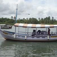 barco-saveiro-na-ilha-de-boipeba