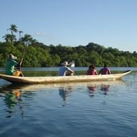 canoa-na-ilha-de-boipeba
