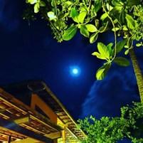 noite-de-lua-no-abaquar-hostel