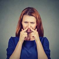 O que pode provocar o mau hálito? Como evitar e tratar?